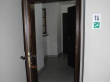 WC přízemí (levé křídlo od hlavního vchodu) vchod